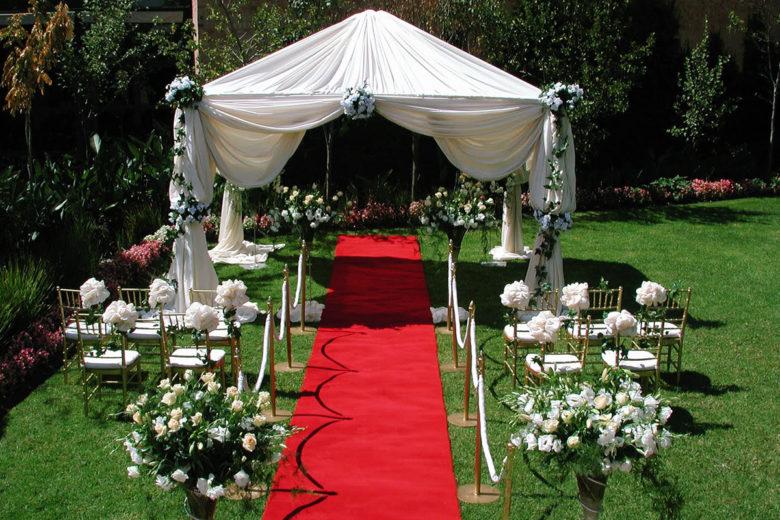 Регистрация брака на природе в шатре